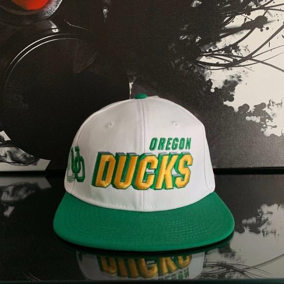 Oregon Green Black Snapback Ducks Trees  Mesh Trucker Hat Cap